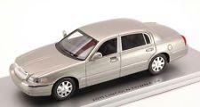 Lincoln Town Car 2011 Silver 1:43
