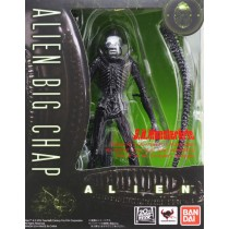 S.H.MonstertArts Alien Big Chap by Bandai