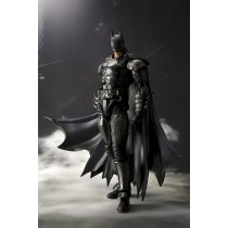 Batman Injustice ver Figuarts