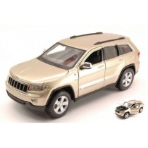 Jeep Grand Cherokee Laredo 2011 Gold by Maisto
