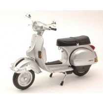 Vespa P200 E 1978 Silver by New Ray