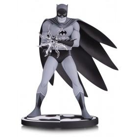 Batman B&W Batman By Jiro Kuwata Statue