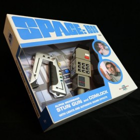 Space 1999 Stungun + Comlock