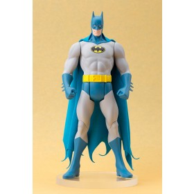 Batman classic costume ARTFX statue