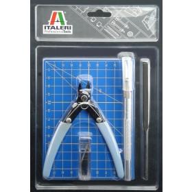 Plastic modelling tool set Italeri